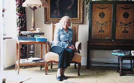 Dame V, a Legend